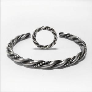 """""""Laddaka"""" Ring und Armreif aus Silber"""
