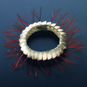 """Armband """"Raupe"""" Silber, Nylon"""