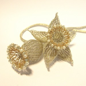 knitted jewellery from silver wire